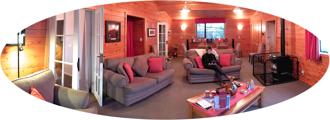 Lounge panorama Ranfurly Cottage